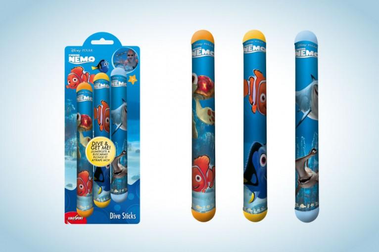 Packaging for Disney / Pixar Nemo dive sticks toy.